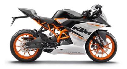 The KTM RC390 splits the difference between the 250 class and the 500 class.