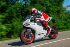 899_ride_rhs_close