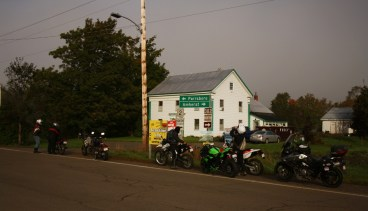 The chilly morning temperatures meant a few roadside stops were in order, to warm up. Photo: Zac Kurylyk