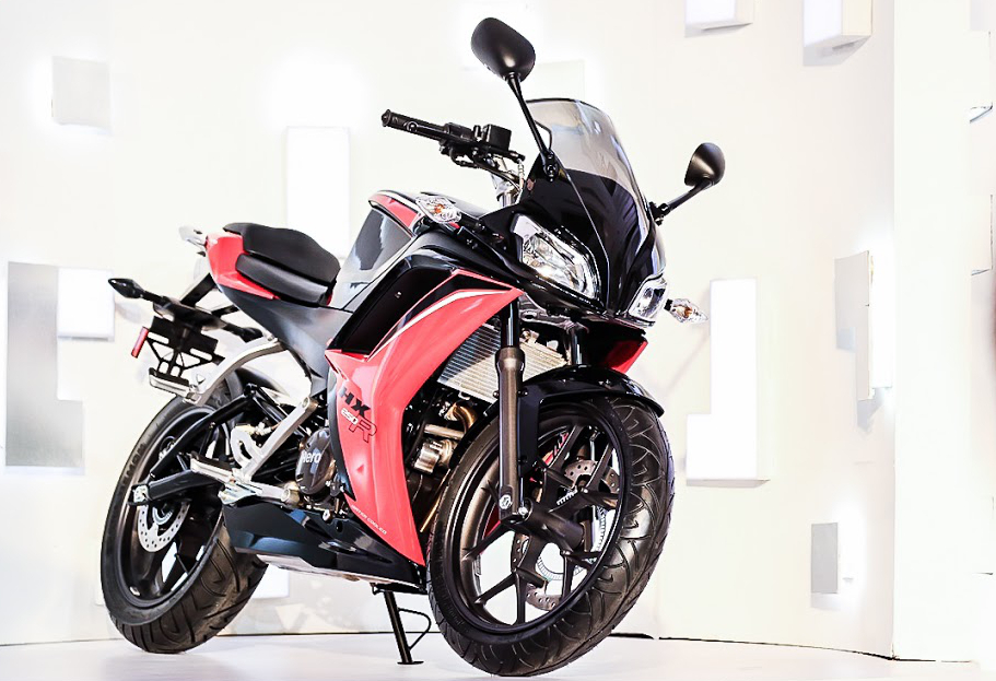 Hero unveils 250 sportbike, turbodiesel scooter