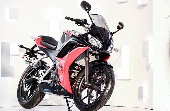 Hero unveils 250 sportbike, turbodiesel scooter