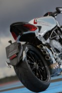Much of the Dragster follows similar styling to the other 800 triples from MV Agusta.