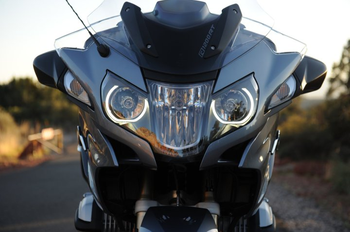 The windscreen is electronically adjustable. Combined with the fairing and mirrors, the rider has a lot of wind protection. Photo: Jon Beck