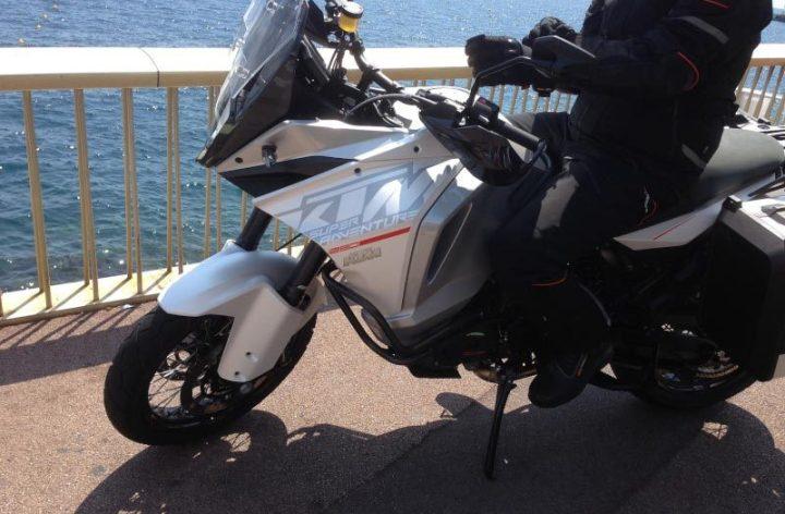 Spy shots: Suzuki naked, big-bored KTM