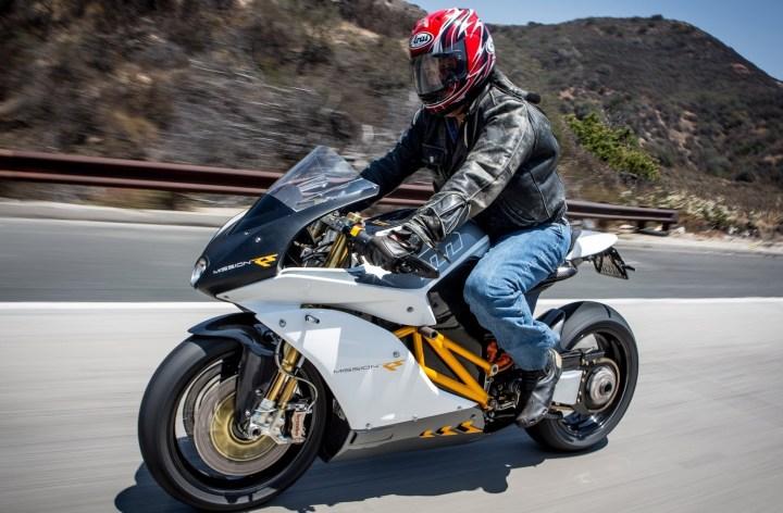 Jay Leno de retour à la télé avec ses motos