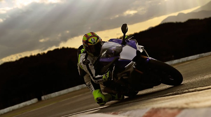 Video: More Yamaha R1 promotion