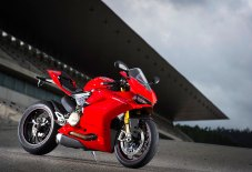 15-Ducati-1299Panigale_frontright
