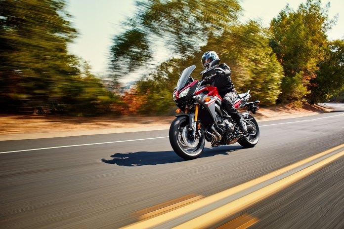 15_FJ09_Red-rider2