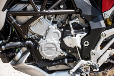 15-MVagusta-TourismoVeloce-engine1