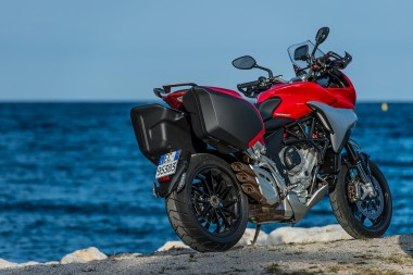 15-MVagusta-TourismoVeloce-red-rsr