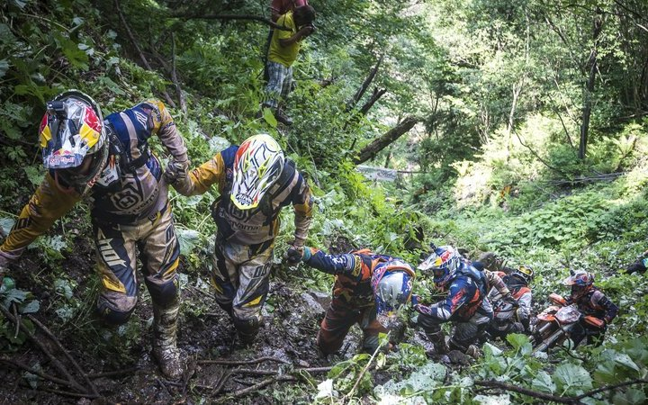 Red Bull Hare Scramble: Results! Videos! Watch it live!