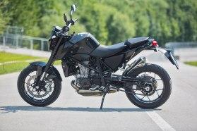 Report: KTM 690 Duke upgraded for 2016 | Canada Moto Guide
