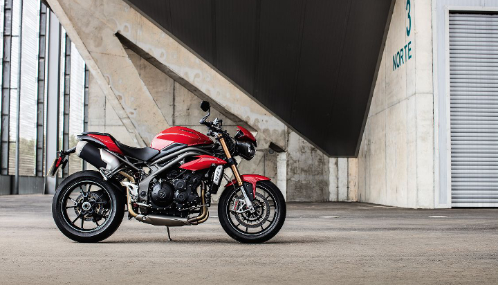 Here's your 2016 Triumph Speed Triple