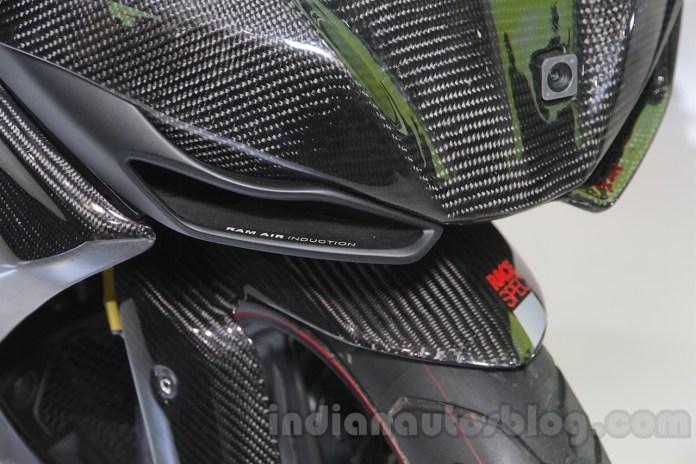 TVS-Akula-310-Racing-Concept-carbon-fibre-fairing-at-Auto-Expo-2016