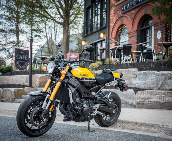 The bumblebee paint scheme recalls Yamahas of the past, particularly their racebikes of decades ago, but the XSR900 is new technology.