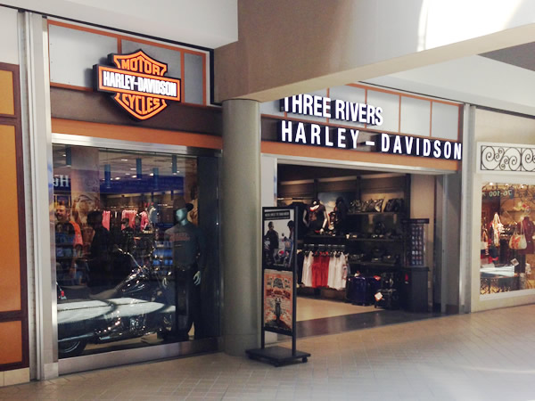 A Harley-Davidson shop in a mall at Pittsburgh airport. New distribution channels abound...