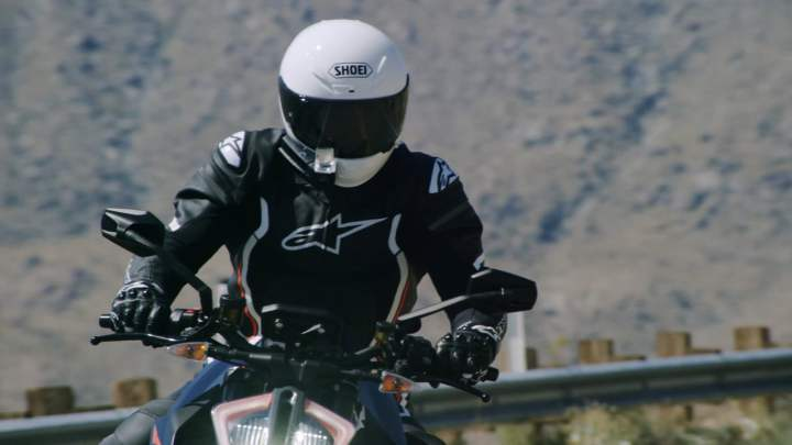 Sena, NUVIZ team up on new smart helmet technology