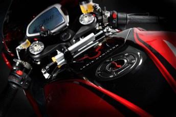 MV Agusta Lewis Hamilton 16