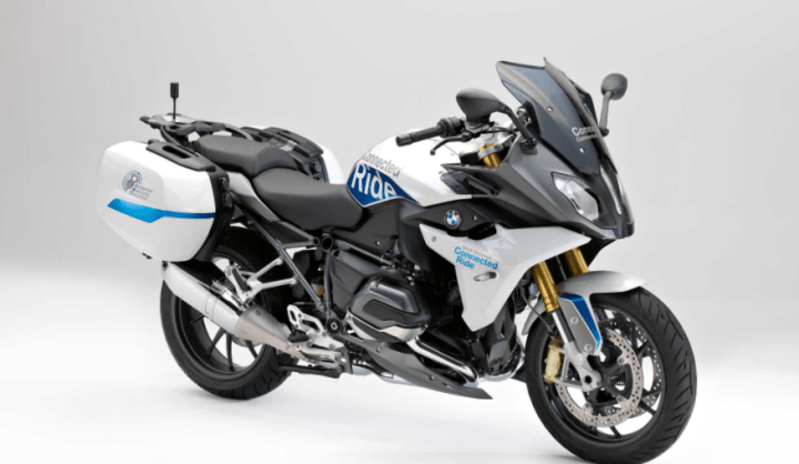 BMW R1200 RS ConnectedRide warns rider, cagers, of impending crashes