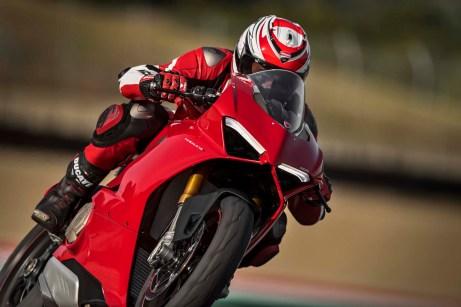 2018 Ducati Panigale V4 15