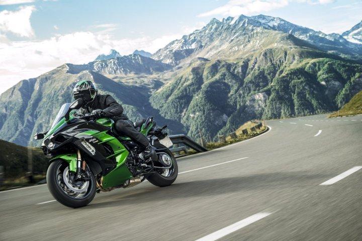 Kawasaki adds new 2018 models to Canadian website.