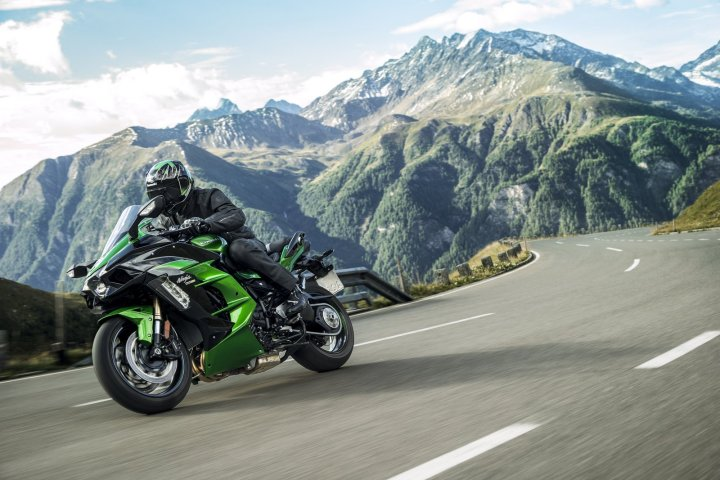 Kawasaki Ninja H2 SX: A supercharged sport tourer for the 21st century