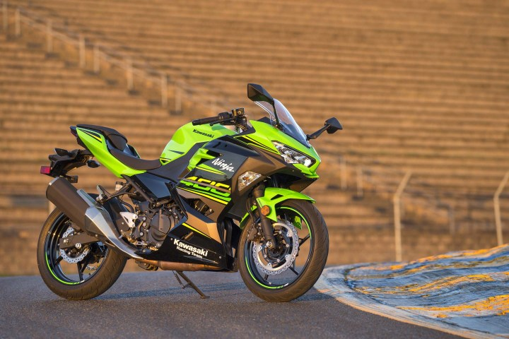 Kawasaki announces 2018 CSBK contingency program