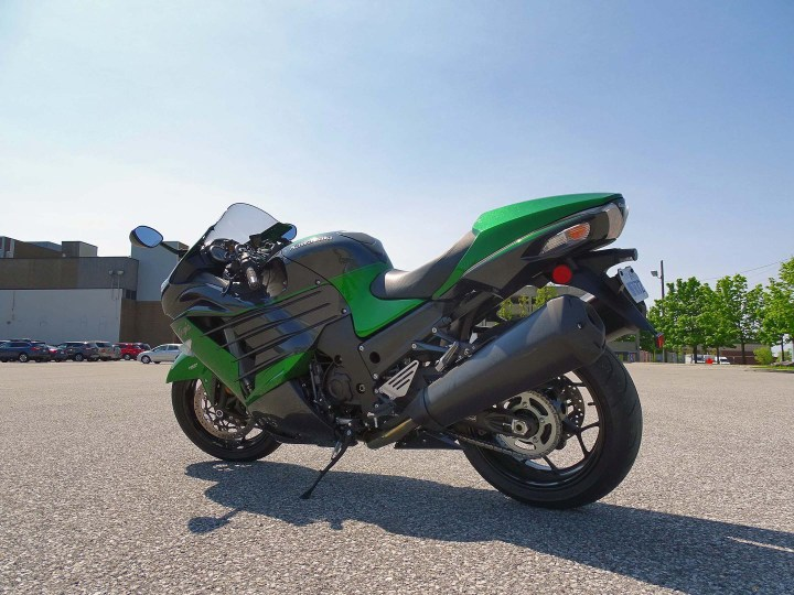 Test Ride: 2018 Kawasaki ZX-14R | Canada Moto Guide