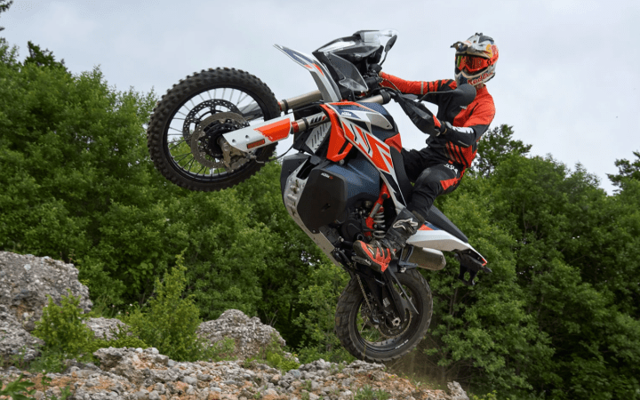 New KTM 790 Adventure R Rally debuts