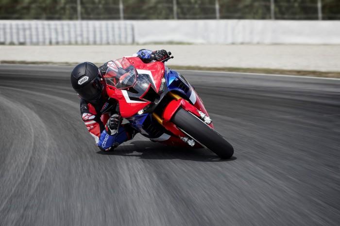 Honda CBR1000RR-R SP: Improving on an improved superbike