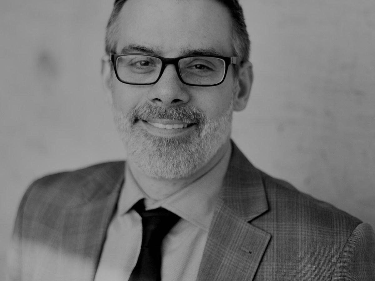 Dr. Geoffrey Leonardelli, Professor