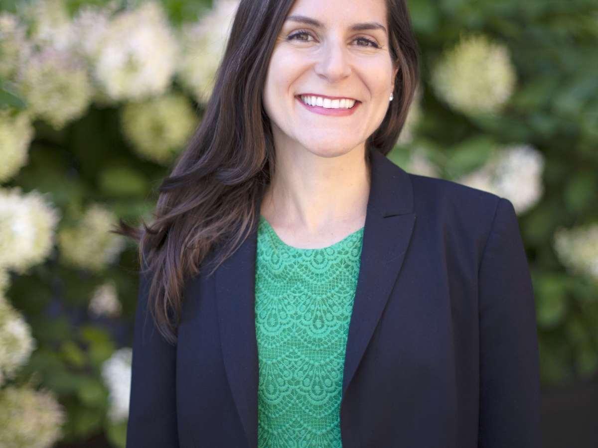 Dr. Laura Doering, Ambiguous Bias