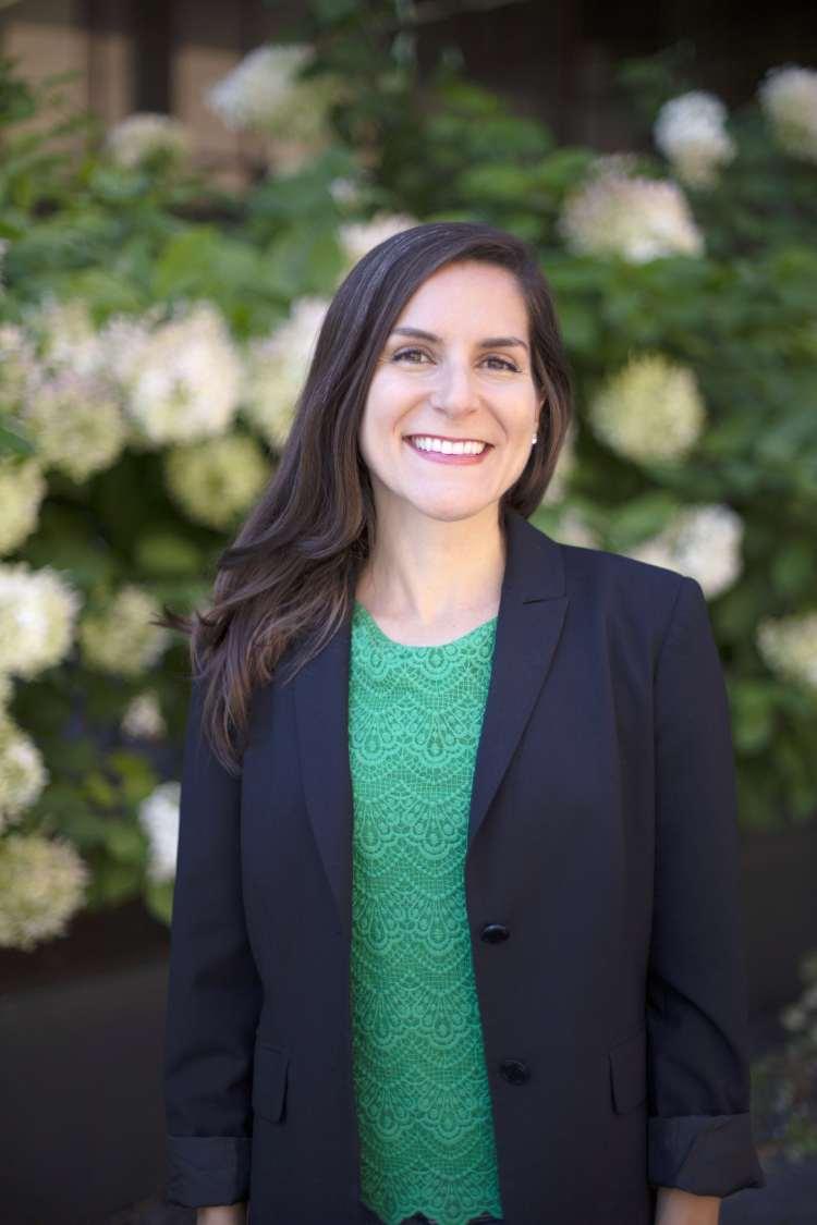 Dr. Laura Doering