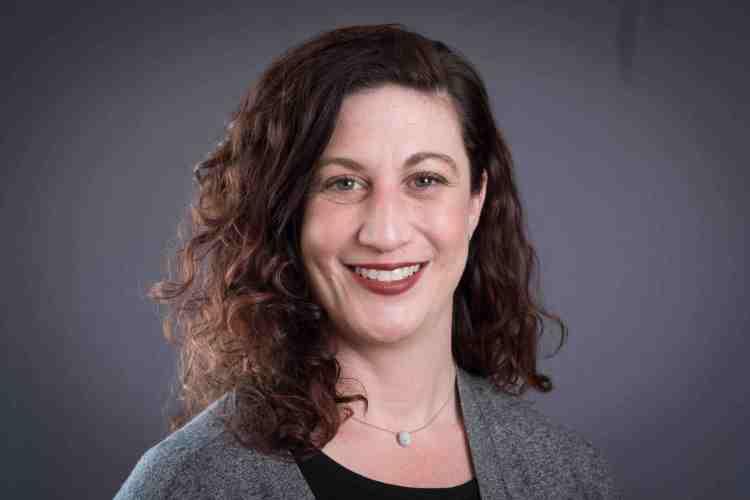 Dr. Jennifer Ryan