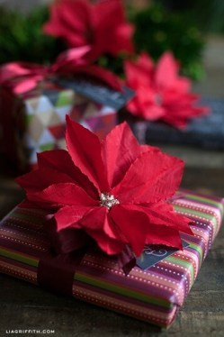 cocktailnapkinpoinsettiadiy-christmas-wrapping