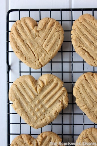 heart shape peanut butter cookies valentines day recipe