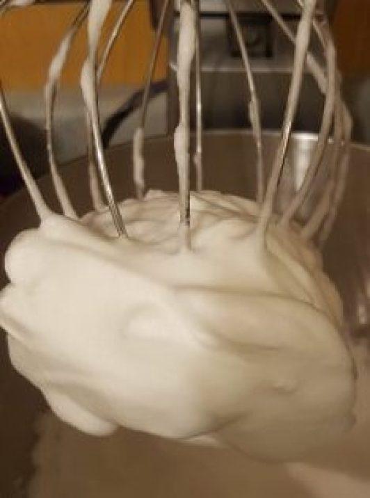 egg white fluff keto buns