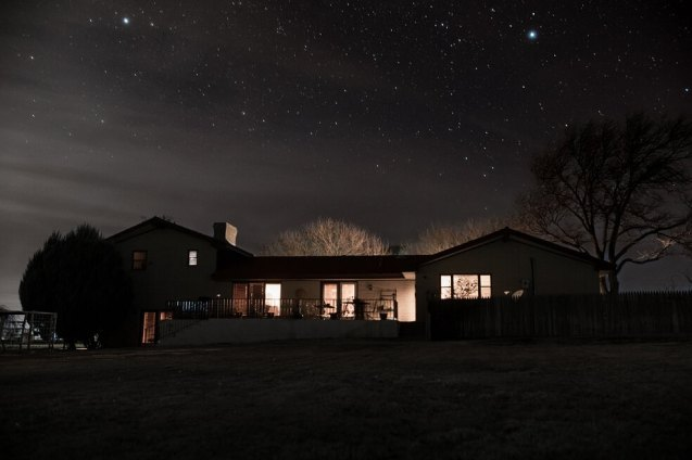 outdoor lights curb appeal at night real estate