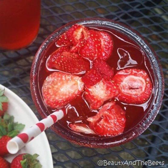 Strawberry Acai Refresher Recipe