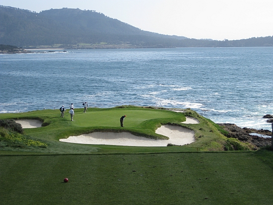 Deceptive: The drop shot seventh is one of the world's great short one-shot holes