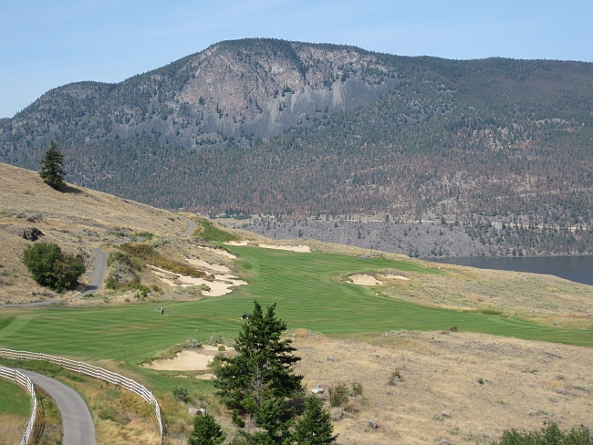 The 14th at Sagebrush: Until Cabot Links came along I'd have said this was the best modern course in Canada.