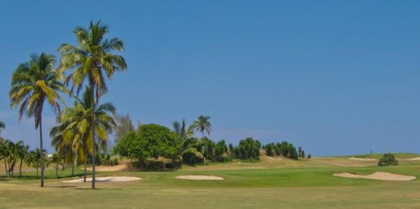 Par-5 7th hole at Varadero Golf Club