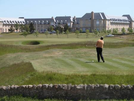 Winning Ryder Cup Captain SAM TORRANCE feathering a beauty into the 8th green on the Torrance Course!