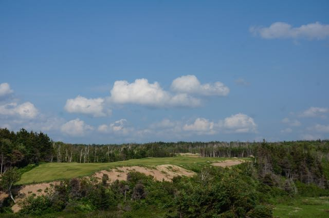 Another of the inland gems, the 7th is the start of back-to-back par fives.