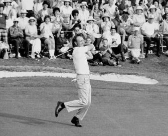 Arnold Palmer wins The Masters (Image: Masters.com)