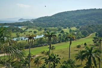 ryall's golf course starts near the sea before climbing through coconut groves and returning to the shore. (Image: The Tryall Club)