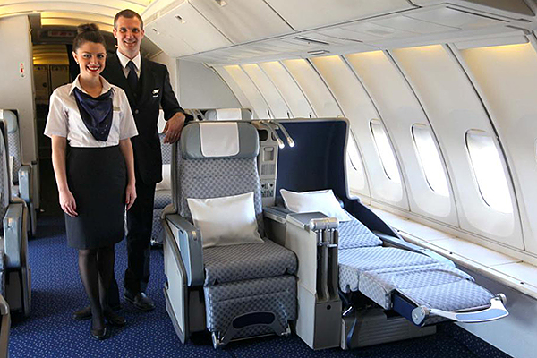 Fully flat beds on El Al 747-400 Business Class to New York JFK and London Heathrow