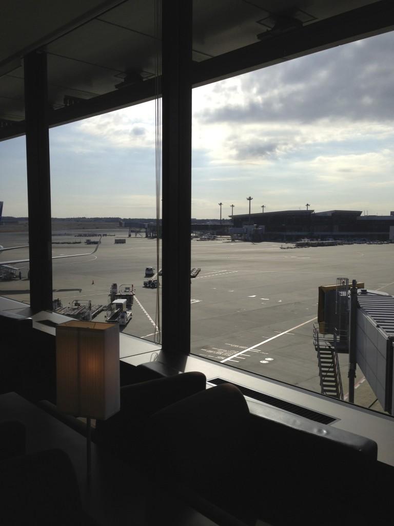 ANA Suites Lounge Tokyo Narita Tarmac View