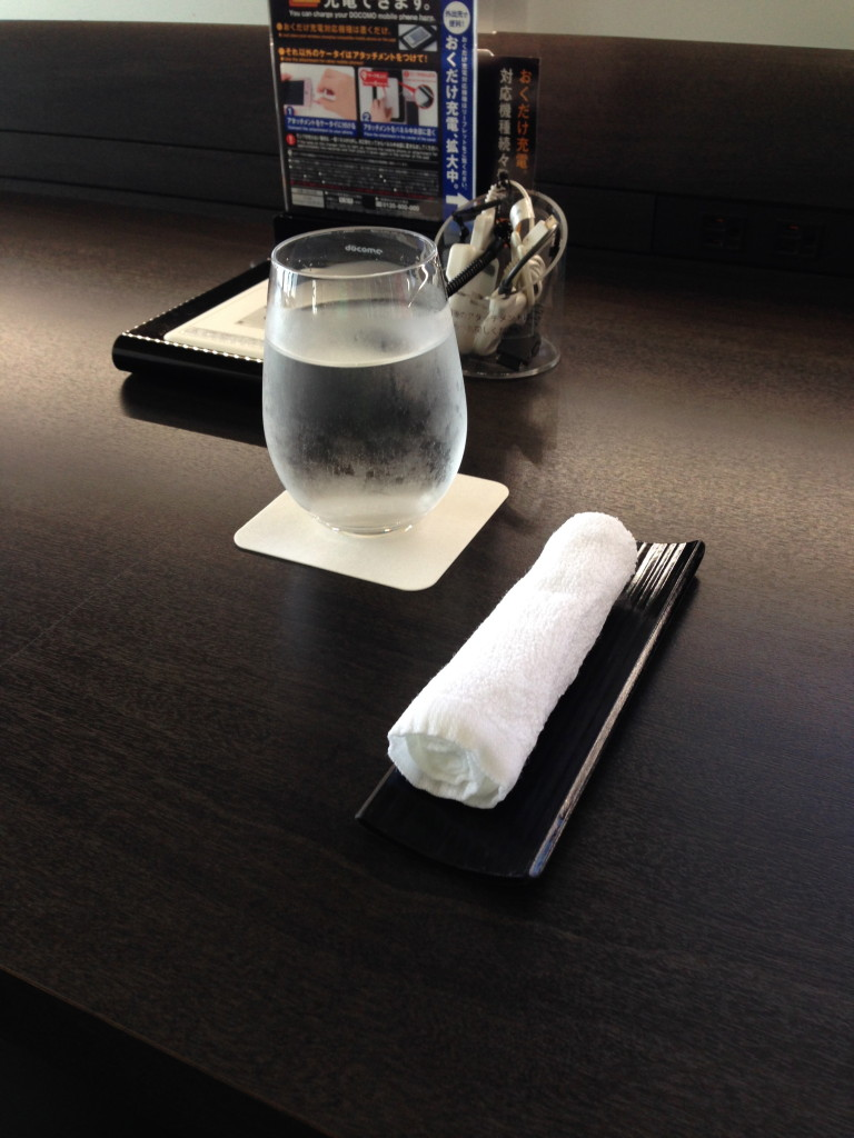 ANA Suites Lounge Tokyo Narita Welcome Drink and Hot Towel