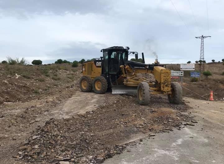 Çan'da beton köy yolu alt yapı çalışmaları başladı